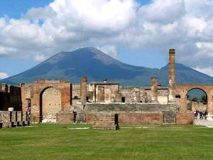 https://iufos.files.wordpress.com/2011/03/pompeii_temple_of_jupiter.jpg?w=300